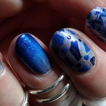 Blue A England Nail Art nail art by Virginie
