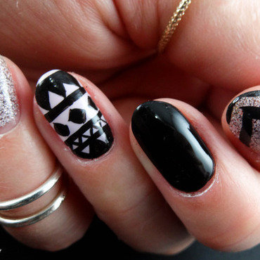 Ethnic Hand Made Nail Art nail art by Virginie