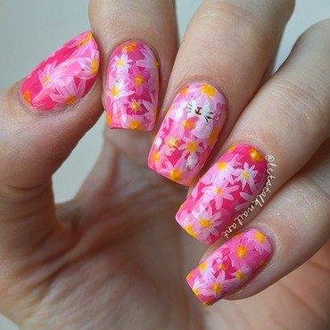 Hidden Kitty nail art by Lottie