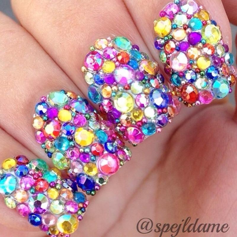 Lefty Sparkly Random Rainbow nail art by Sparkly Nails by Spejldame