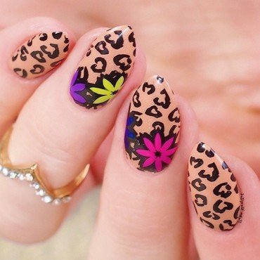 Cheetah Floral Manicure nail art by Lou