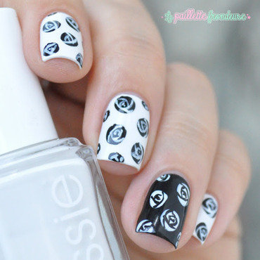Nailstorming 20black 20and 20white 20roses 204 thumb370f