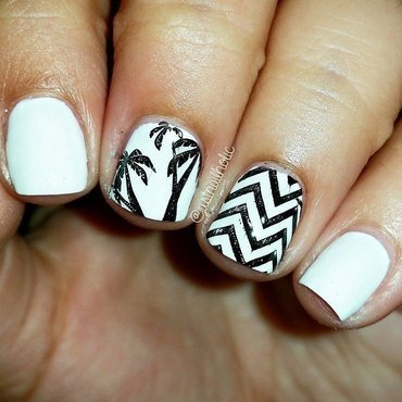 Chevrons & Palm Trees nail art by Melany Antelo