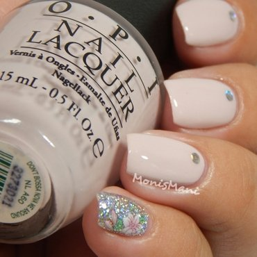 Blingy nude nail art by Moni'sMani