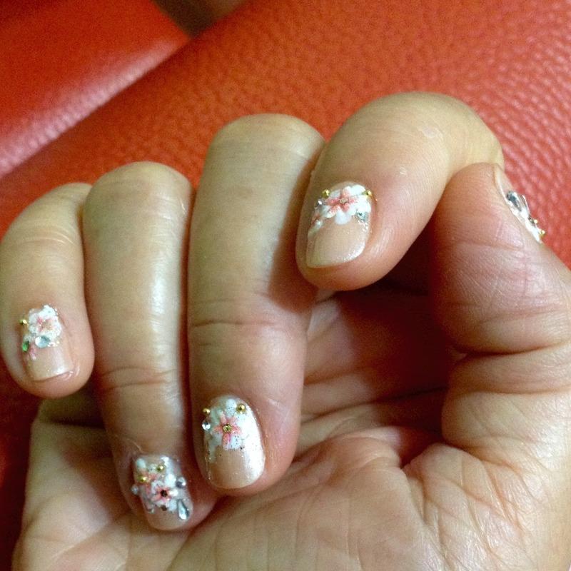 Peach Blossoms nail art by Idreaminpolish