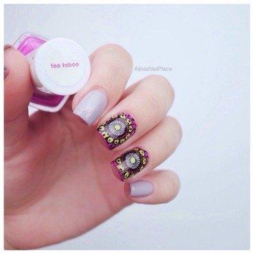 Reversed nail art by Alina E.