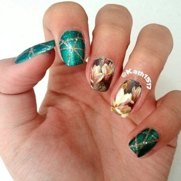 Flowers on Emerald nail art by Kath1517 (Katherin)