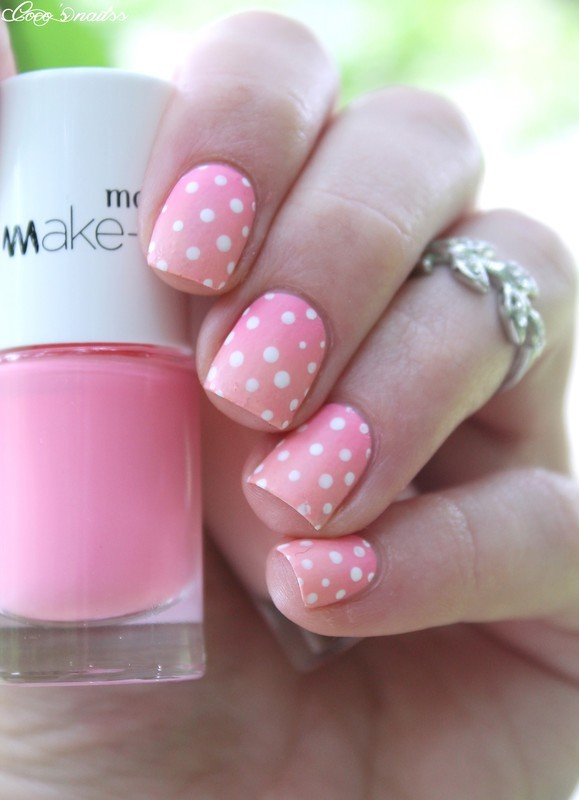 Dots & Gradient nail art by Cocosnailss