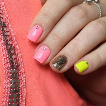 Neon skittlette nail art by Cocosnailss