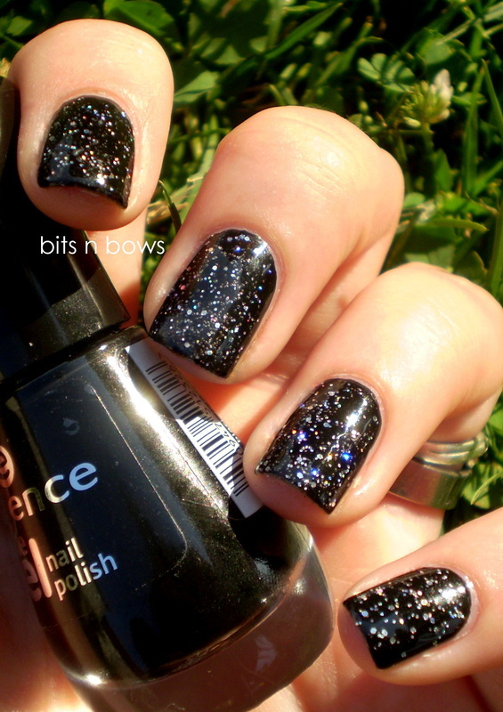 Wet n Wild Kaleidoscope and Essence Black is back Swatch by Kristina