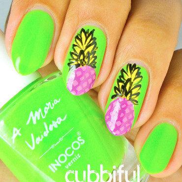 Neon nails thumb370f