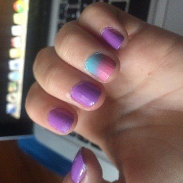 Easy-to-do ombré  nail art by nailsby_sam