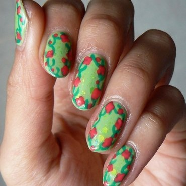 Floral Trellis Nails nail art by Aysha Baig