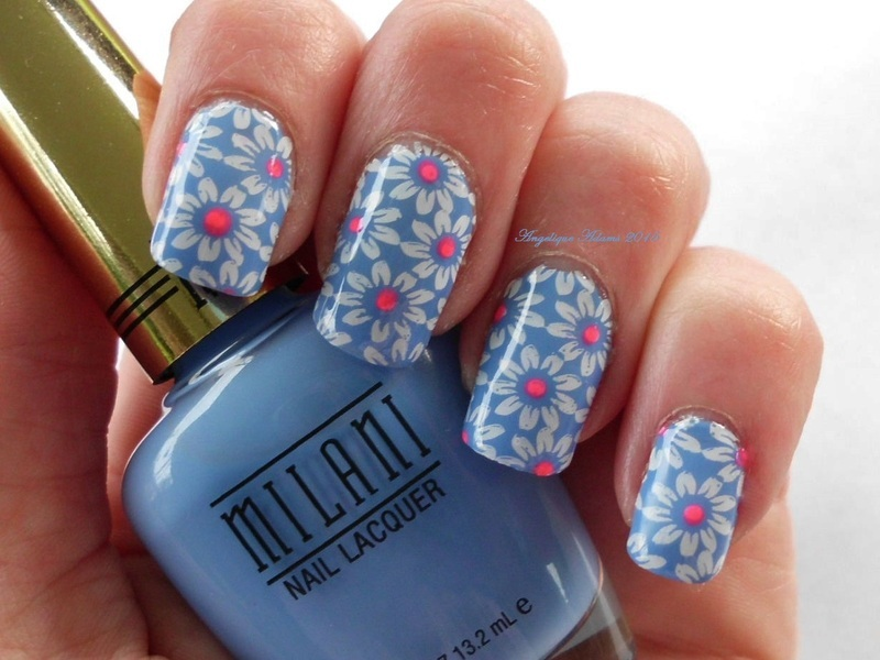 Dasies with a twist  nail art by Angelique Adams