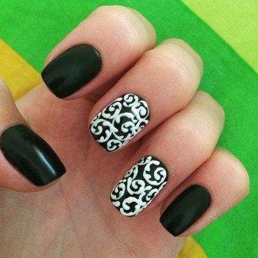 Velvet sand swirls nail art by Anna Sh