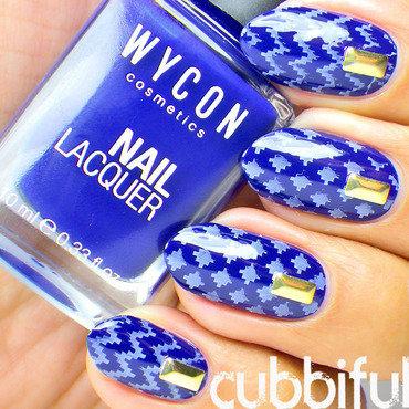 Stamping blue nails thumb370f
