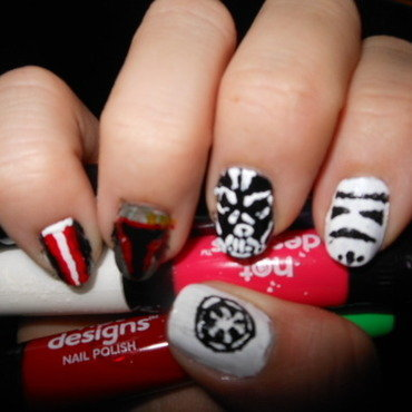 Star Wars: Return of the Right Hand nail art by Cecilia Brown