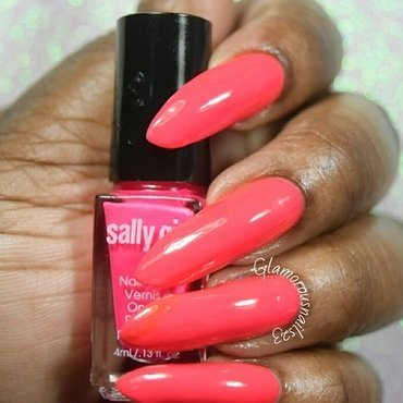 Sally Girl cool Swatch by glamorousnails23