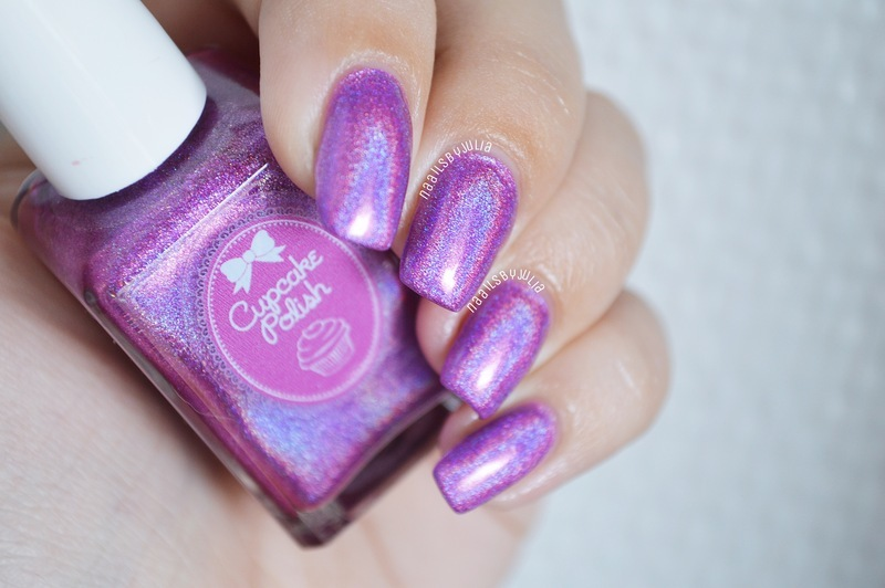 Cupcake Polish Chicago Swatch by Julia
