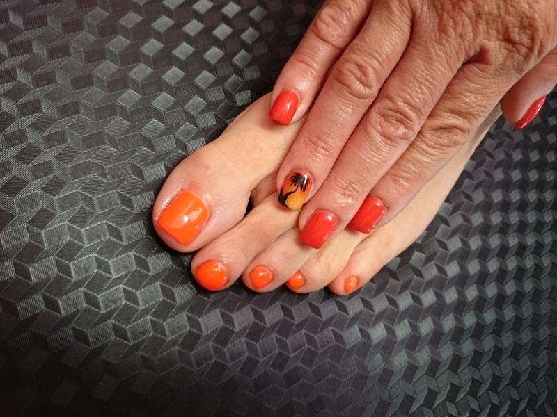 On The beach nail art by Rossella Landi