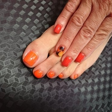 On The beach nail art by Rossella Landi