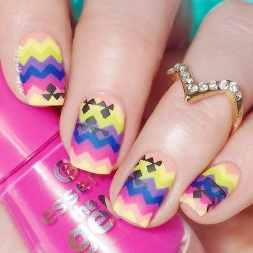 Colourfull Matte Chevron nail art by Lou