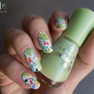 Nail art feuilles colorées – Inspiration Designlovefest nail art by Kate C.