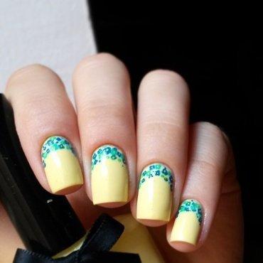 floral ruffian nail art by marina
