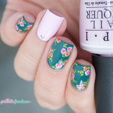 Vintage flower nails - maniswap with Fall in naiLove ! nail art by nathalie lapaillettefrondeuse