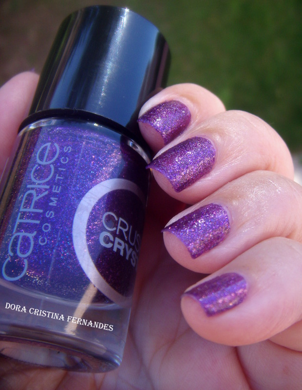 Catrice Crushed Crystals 02 PLUMdogMillionaire Swatch by Dora Cristina Fernandes