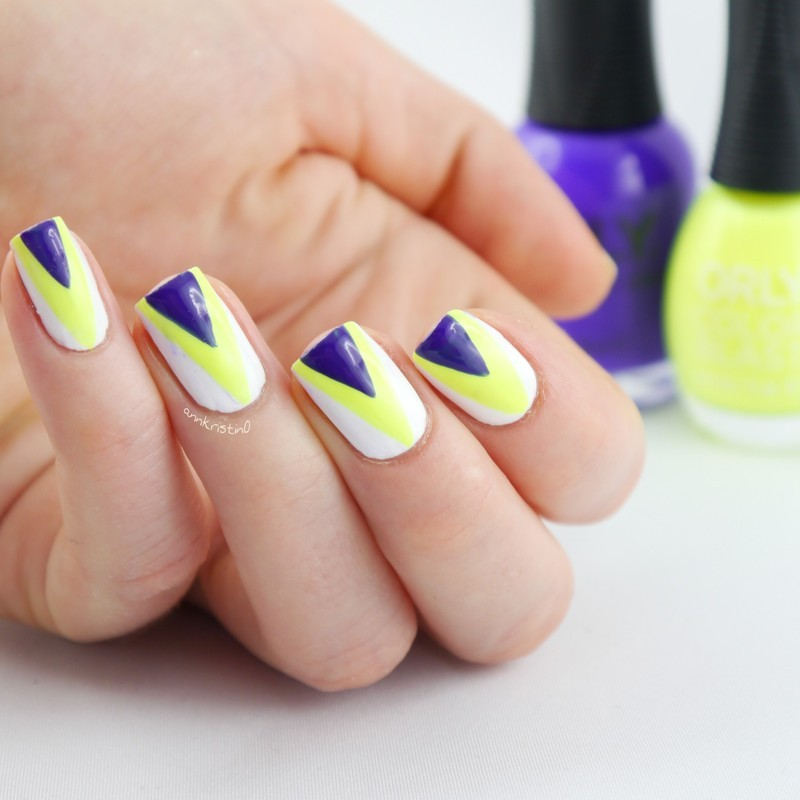 Blue and Yellow Neon Triangle nail art by Ann-Kristin
