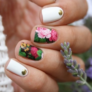 Flower Water Decals nail art by Romana