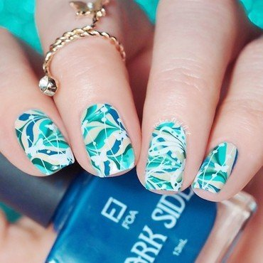 Watermarble With Stamping Design nail art by Lou