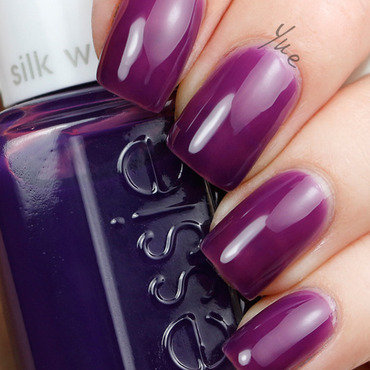 Essie silk watercolor no shrinking violet thumb370f