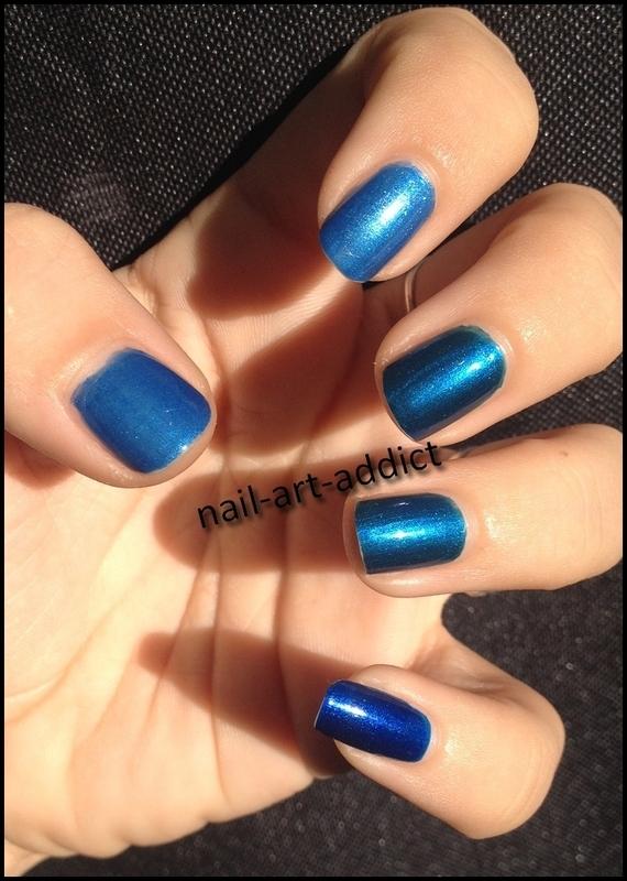 Nail Art : Gradient de Bleus nail art by SowNails