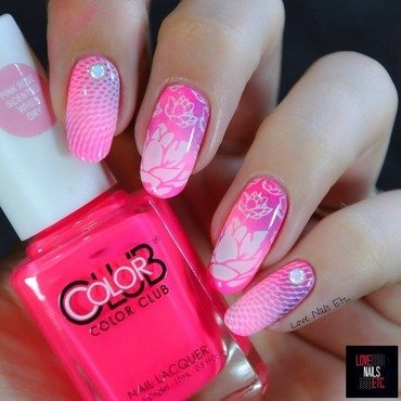 Sweet lotus nail art by Love Nails Etc
