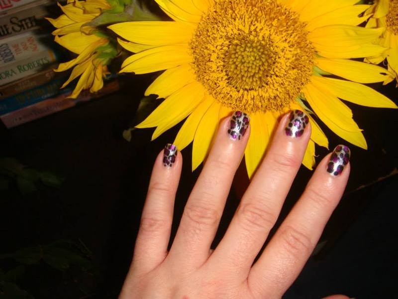 Leopard spots nail art by tigerlyly