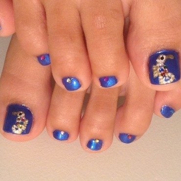 Jewel-Bellied Seahorsies nail art by Idreaminpolish