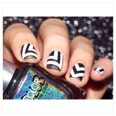 Black and white ! nail art by Bulleuw