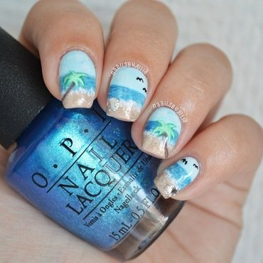 Beach day nail art by Julia