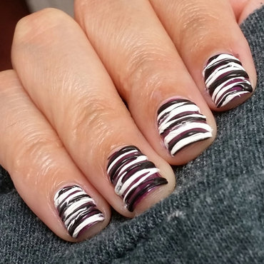 Black and White Sugar-Spun Nail Art nail art by Monica