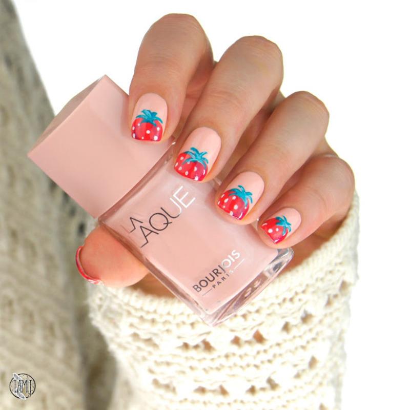 Strawberry nails nail art by Paulina