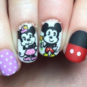 Minnie loves Mickey 🐭❤️🐭 nail art by Hannah