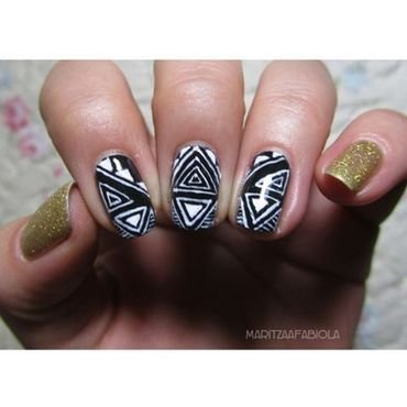 Gold nail art by Mary