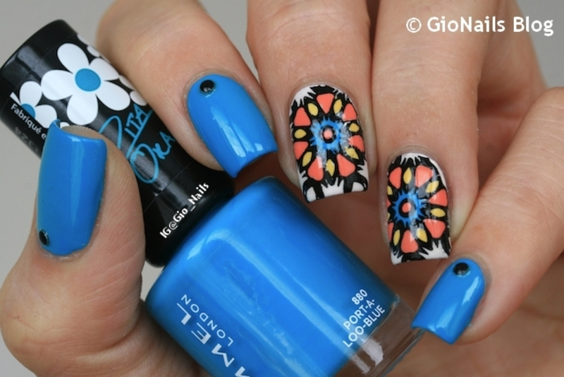 Abstract Flowers nail art by Giovanna - GioNails