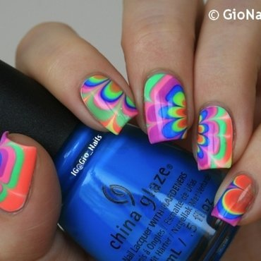 Electric Watermarble nail art by Giovanna - GioNails