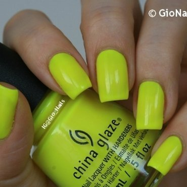 China Glaze Daisy Know my Name? Swatch by Giovanna - GioNails