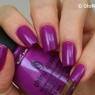 China Glaze Violet-Vibes Swatch by Giovanna - GioNails