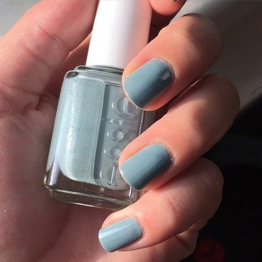 Essie Parka Perfect Swatch by Amandineprc