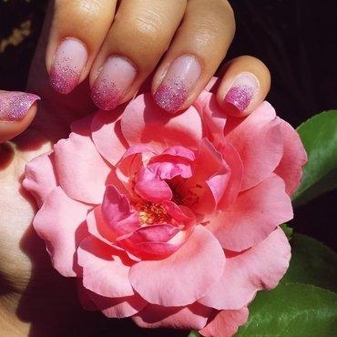 Pink gradient nail art by Natalia D.